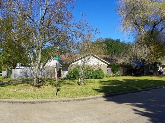 Traditional, Cross Property - Santa Fe, TX (photo 3)
