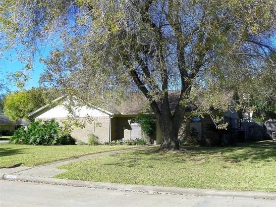 Traditional, Cross Property - Santa Fe, TX (photo 5)