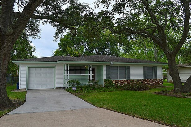 Single Family Detached, Traditional - League City, TX (photo 1)