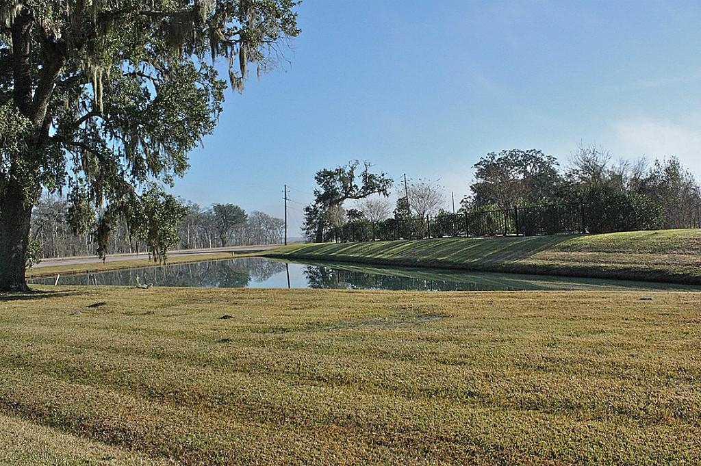 Cross Property - Angleton, TX (photo 3)