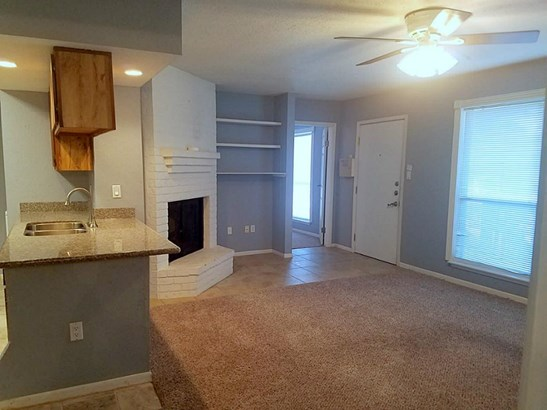 Condominium, Traditional - Houston, TX (photo 4)