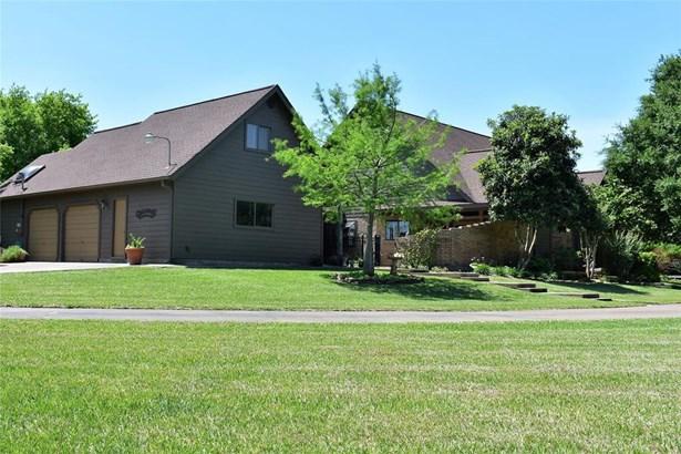 Traditional, Cross Property - League City, TX (photo 2)