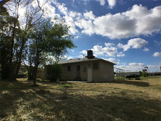 Single Family Detached, Traditional - La Marque, TX (photo 5)