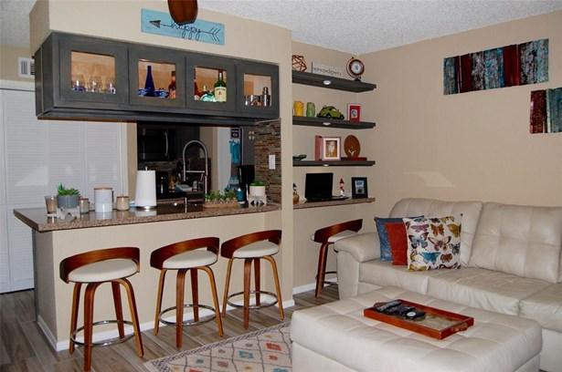 Condominium, Contemporary/Modern,Split Level - Houston, TX