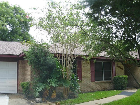 Single Family Detached, Traditional - Dickinson, TX (photo 1)