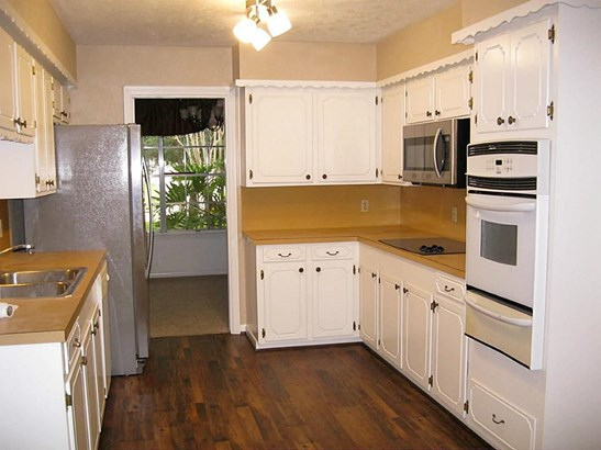 Single Family Detached, Traditional - Dickinson, TX (photo 5)