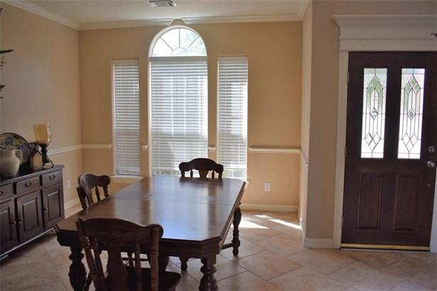 Traditional, Cross Property - Dickinson, TX (photo 4)