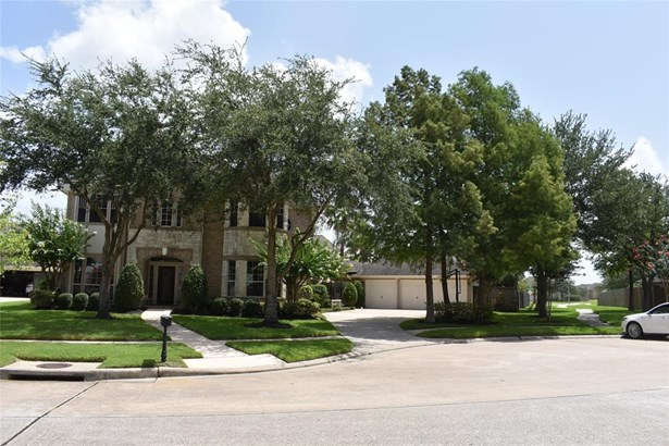 Traditional, Cross Property - League City, TX