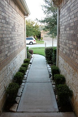 Traditional, Cross Property - League City, TX (photo 3)