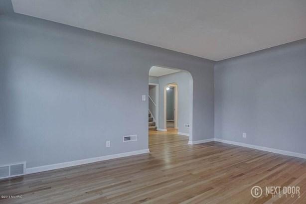 fowler living room 2 (photo 5)