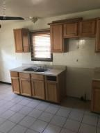 elwood kitchen 1 (photo 5)
