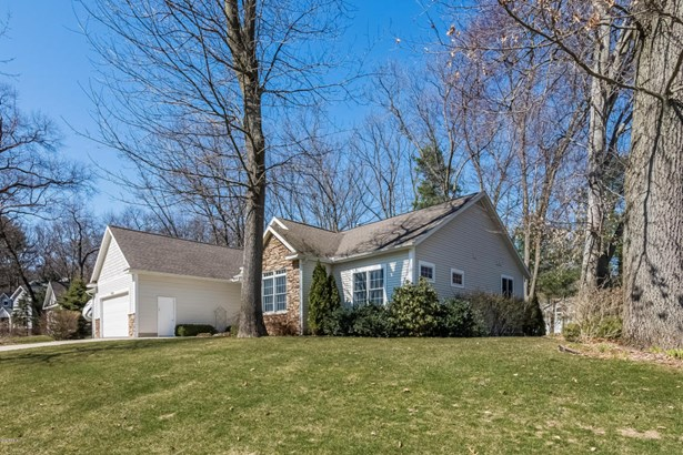004-Front_View-3869892-large (photo 4)