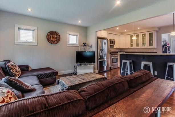 mills living room (photo 2)
