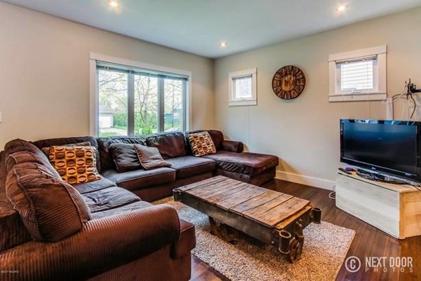 mills living room2 (photo 3)