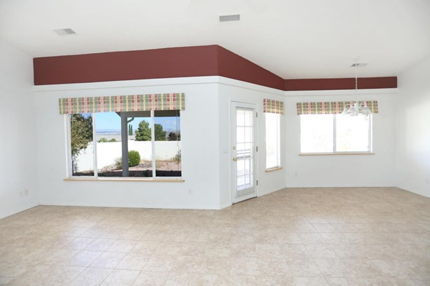 Single Family Residence, Ranch - Clarkdale, AZ (photo 5)