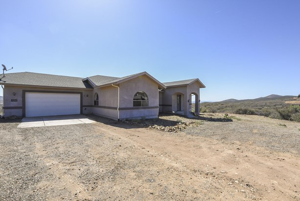 Contemporary,Ranch, Site Built Single Family - Dewey-Humboldt, AZ (photo 2)
