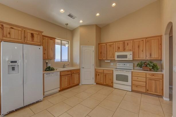 Contemporary,Ranch, Site Built Single Family - Dewey-Humboldt, AZ (photo 4)