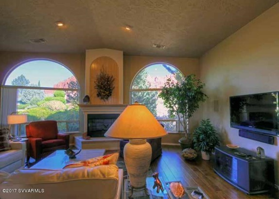 Southwest,Contemporary, Single Family Residence - Sedona, AZ (photo 4)