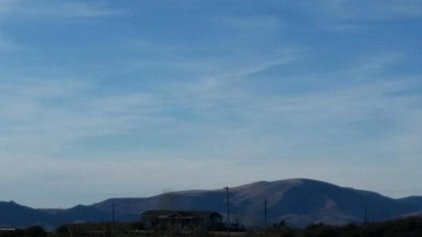 Residential - Wilhoit, AZ (photo 3)