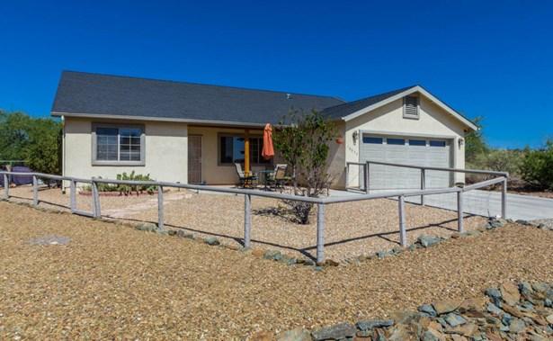 Contemporary, Site Built Single Family - Mayer, AZ (photo 2)