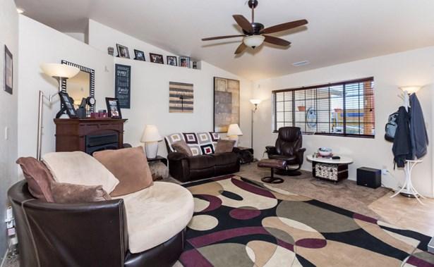 Contemporary, Site Built Single Family - Mayer, AZ (photo 4)