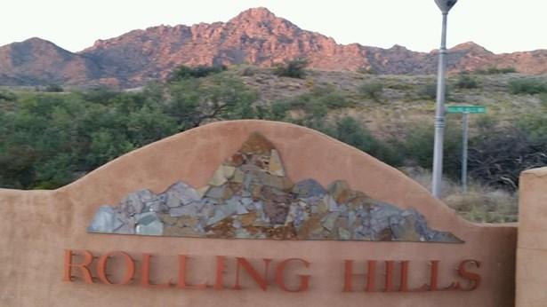 Residential - Kirkland, AZ (photo 2)
