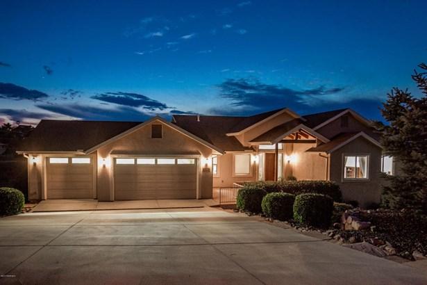 Contemporary,Multi-Level,Walkout Basement - Site Built Single Family (photo 3)
