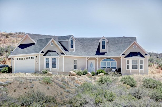 Contemporary, Site Built Single Family - Dewey-Humboldt, AZ (photo 1)