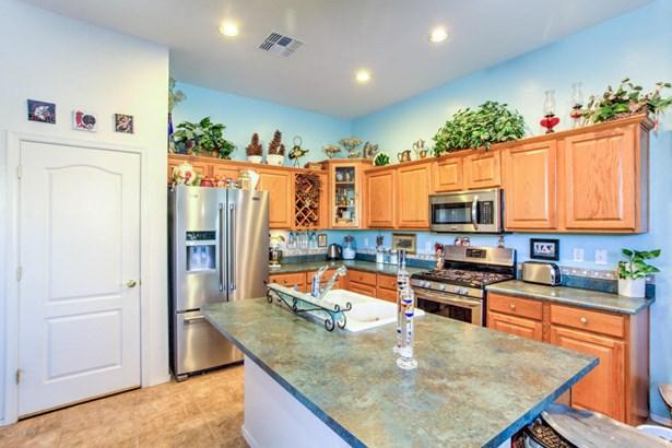 Contemporary, Site Built Single Family - Goodyear, AZ (photo 4)