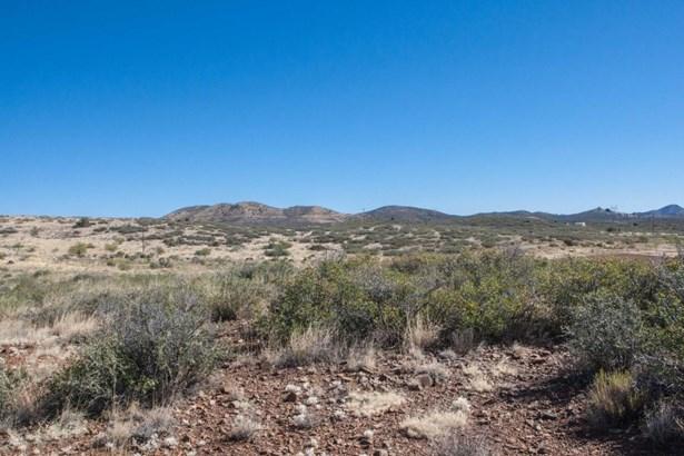Residential - Mayer, AZ (photo 4)
