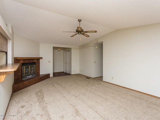 Contemporary, Site Built Single Family - Dewey-Humboldt, AZ (photo 3)