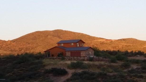 Residential - Kirkland, AZ (photo 4)