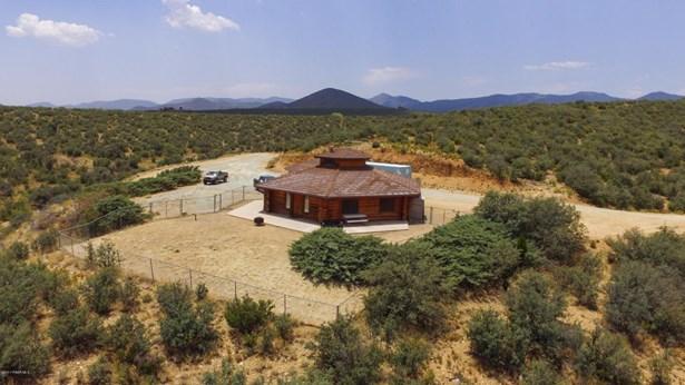 Log, Site Built Single Family - Dewey-Humboldt, AZ (photo 3)