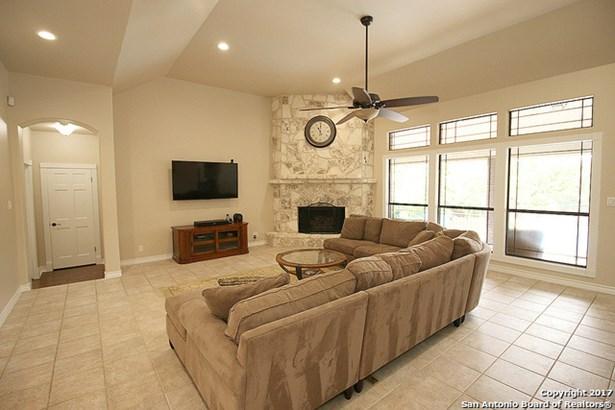 25111 Player Oaks, San Antonio, TX - USA (photo 5)