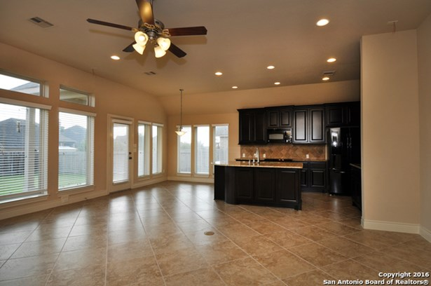 3065 Saddlehorn Dr, Seguin, TX - USA (photo 5)