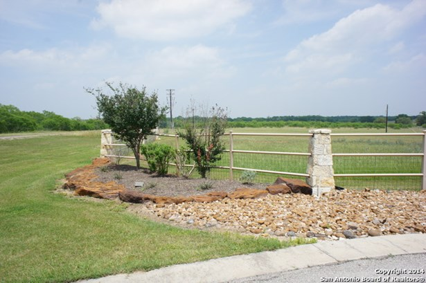 Lot 249 Flash Circle, Luling, TX - USA (photo 4)