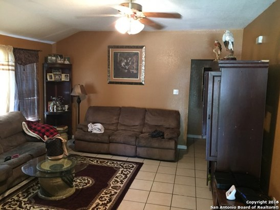 8802 Secluded Dr, Converse, TX - USA (photo 5)
