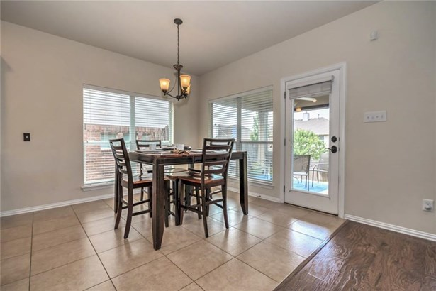 1330 Red Stag Pl, Round Rock, TX - USA (photo 5)