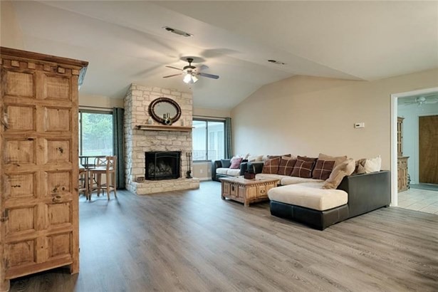 609 Oak Grove Ln, Georgetown, TX - USA (photo 2)