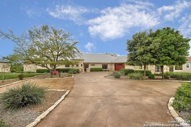116 Ladera Vista, Canyon Lake, TX - USA (photo 2)