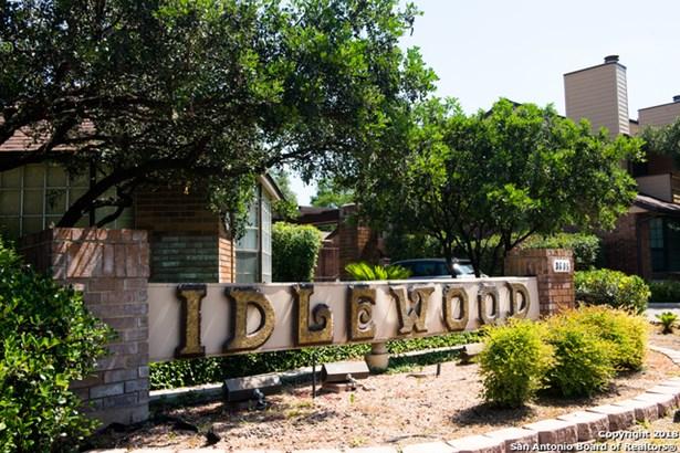 3605 Hidden Dr #h2, San Antonio, TX - USA (photo 1)