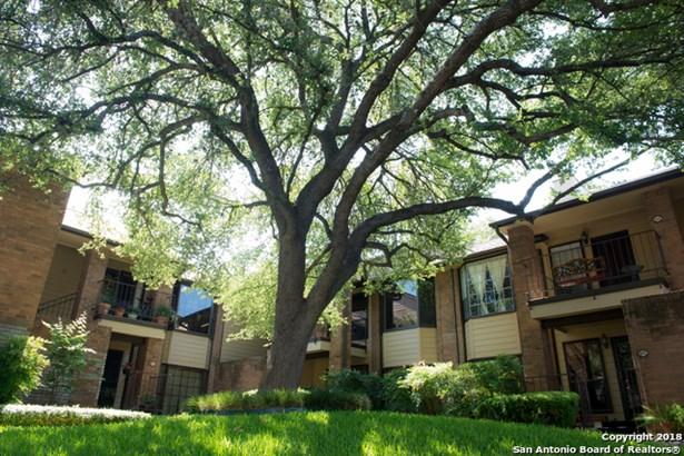 3605 Hidden Dr #h2, San Antonio, TX - USA (photo 2)