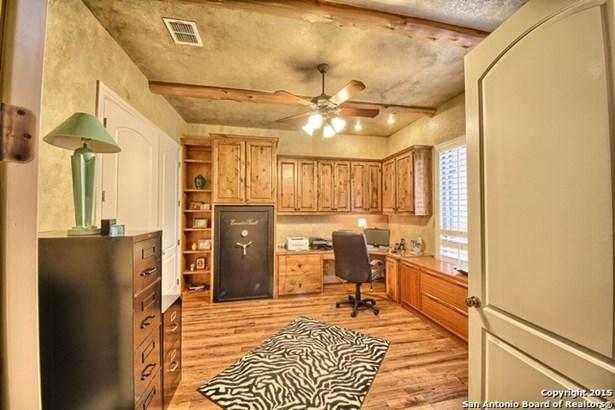 811 Hansen Greens, San Antonio, TX - USA (photo 4)