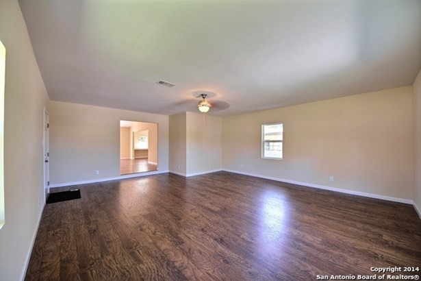 5700 Bienville Dr, San Antonio, TX - USA (photo 5)