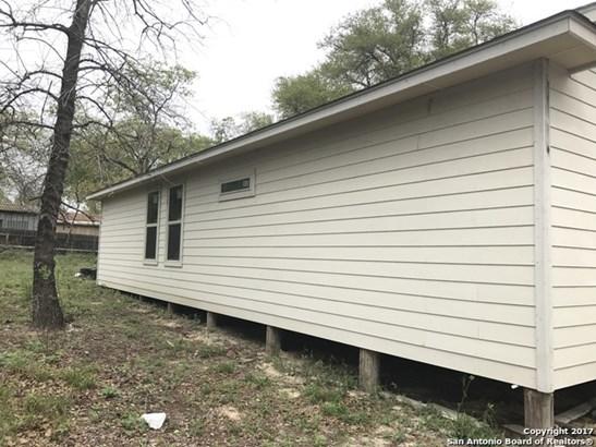 23119 Flat River Dr, Elmendorf, TX - USA (photo 4)
