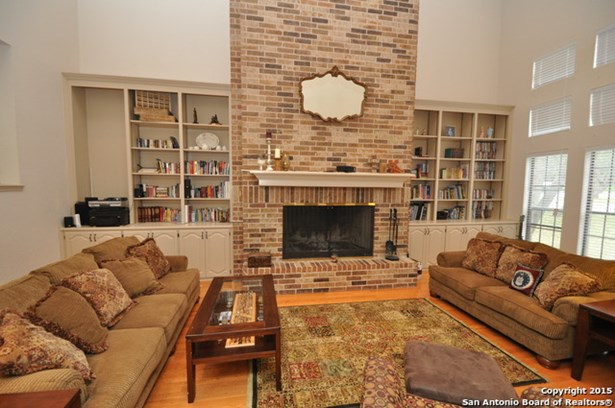 20802 Woodland Cove, Garden Ridge, TX - USA (photo 5)