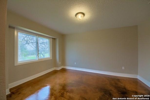 14887 Miller Rd, St. Hedwig, TX - USA (photo 5)