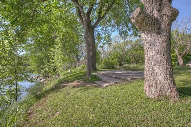1390 Ervendberg Ave, New Braunfels, TX - USA (photo 5)