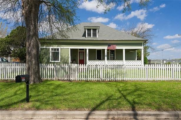 702 Brown St, Taylor, TX - USA (photo 1)
