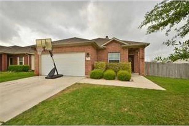 131 Brown St, Hutto, TX - USA (photo 1)